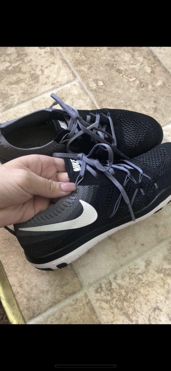 a90d0f08b935 Women s Nike free run flyknit for Sale in Downey