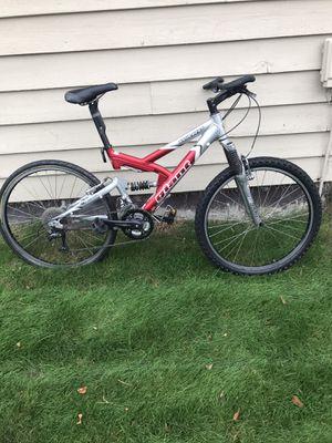 Giant mtb mountain bike. Works fine. for Sale in Federal Way, WA