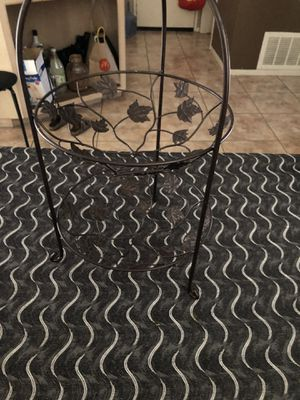 Two tier fruit basket holder for Sale in Chula Vista, CA