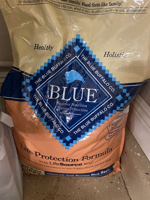 Blue Buffalo puppy food chicken and brown rice recipe 30 pound bag for Sale in San Jacinto, CA