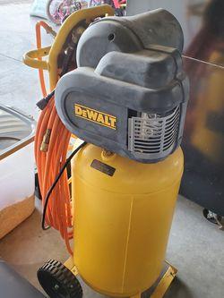 DeWALT Air Compressor for Sale in Sandy,  OR