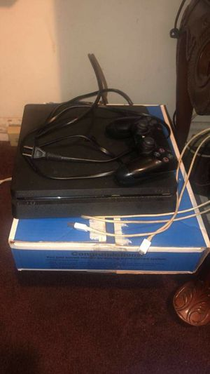 Ps4 Pro Slim 500GB for Sale in Los Angeles, CA