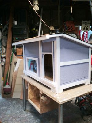 New dog house with window ( small -medium ) $85 firm (must wear mask) for Sale in Colton, CA