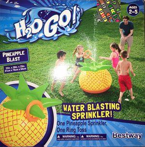 H2O water blasting sprinkler pineapple, brand new for Sale in Miami Springs, FL