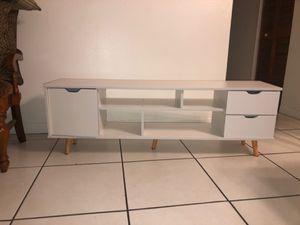 Tv table for Sale in Miami, FL