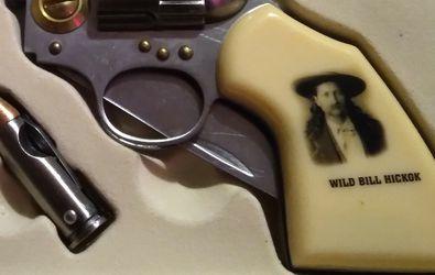 WILD BILL HANCOCK KNIFE ND BULLET KNIFE for Sale in Madison Heights,  VA