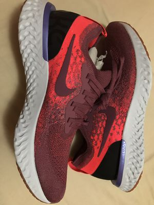 Size 10 WMNS NIKE EPIC REACT FLYKNIT for Sale in Riverside, CA
