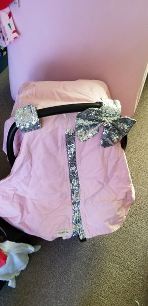 Car seat special order pink/silver cover for Sale in Greenville, NC
