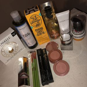 Various makeup/ skin care for Sale in Houston, TX