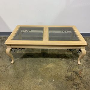 Thomasville Pickle Stain Oak and Glass Coffee Table for Sale in Allentown, PA
