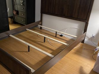Queen Size Bed Frame for Sale in Long Beach,  CA