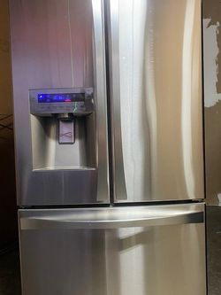 Used Like New!!!! Kenmore Elite for Sale in Fort Myers,  FL