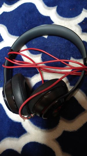 Beats Solo's (Like New) for Sale in Poway, CA