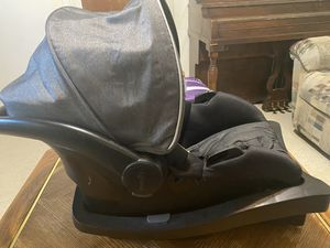 Evenflo infant car seat for Sale in Fort Worth, TX