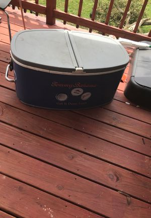 Tommy Bahama large cooler for Sale in Sharon Hill, PA