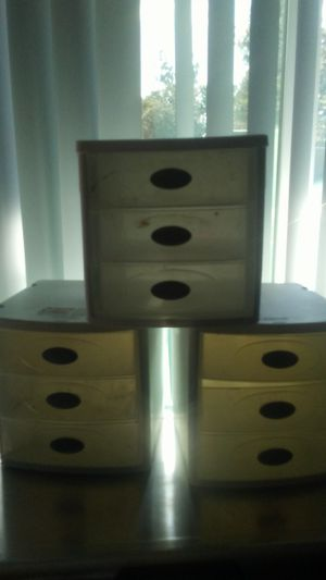 Sterilite 7 inch by 9.5 inch storage containers for Sale in Fresno, CA
