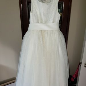David's Bridal Flower Girl Dress for Sale in Machesney Park, IL
