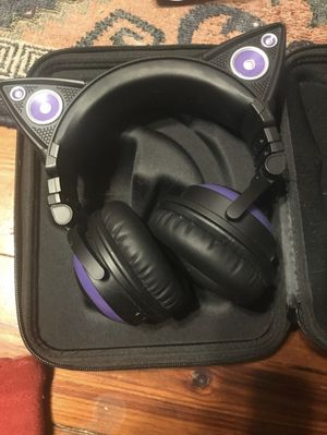 Brookstone Wired Cat headphones for Sale in Aloma, FL