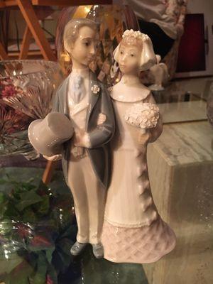 Bride & Groom LLADRO figurine. Excellent condition for Sale in La Jolla, CA