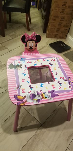 Disney Minnie Mouse Wood for Sale in Clearwater, FL