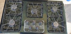 Working - Magic Chef Gas 5 Burner Cooktop- and - Bonus Microwave - for Repair for Sale in Oklahoma City, OK