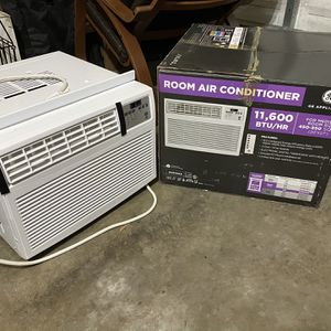 Air Conditioner GE, Window Unit, 11,600 BTU for Sale in Bothell, WA