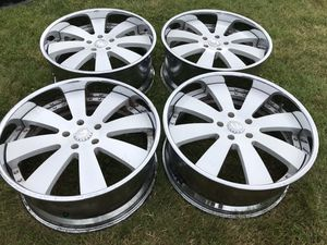 22 INCH FORGIATO RIMS 5x5 bolt pattern for Sale in Auburn, WA