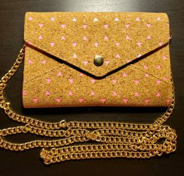 Small Pink Chain Clutch for Sale in Aurora,  OR