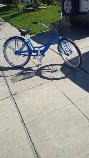 Nice bike pick up only for Sale in Madera, CA