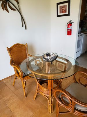Dining wicker Includes 4 chairs for Sale in Frederick, MD