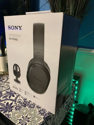 Sony Wireless Home Theater Headphone With Stand! for Sale in Winter Garden, FL