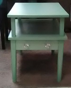 Mint end table for Sale in Georgetown, KY