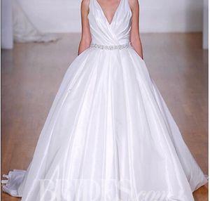 Alfred Angelou wedding dress for Sale in Slidell, LA