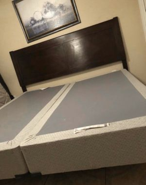 BEAUTIFUL KING BED INCLUDE HEADBOARD FRAME MATTRESS BOX SPRING AND ONE NIGHTSTAND ALL EXCELLENT CONDITION for Sale in Fort Myers, FL
