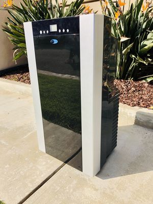 Portable Air Conditioner WHYNTER for Sale in Huntington Beach, CA