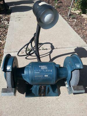 "Black & Decker 6"" 3.5a grinder with adjustable light. for Sale in Show Low, AZ"