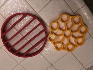 Accessories OXO Pressure Cooker Egg Rack and pressure cooker rack for Sale in Mesa, AZ