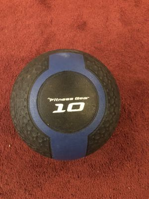 Fitness Gear 10 lb Medicine Ball for Sale in Saugus, MA