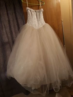 Wedding gown and accessories for Sale in Cumberland, VA