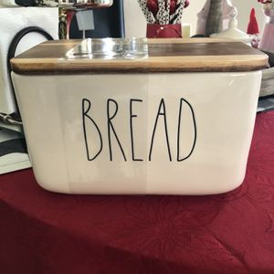 Rae Dunn Glass Ceramic Bread Holder for Sale in Rancho Cucamonga, CA