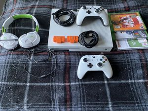 Xbox One S with 2 controllers and games for Sale in Tucker, GA