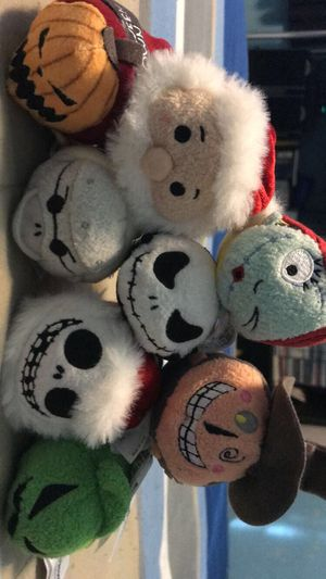 Nightmare Before Christmas Tsum set for Sale in Fresno, CA