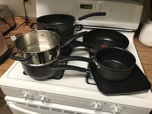 T-Fal Hard anodized set, Cuisinart knife set, Farberware blender, + kitchen scale for Sale in San Diego, CA