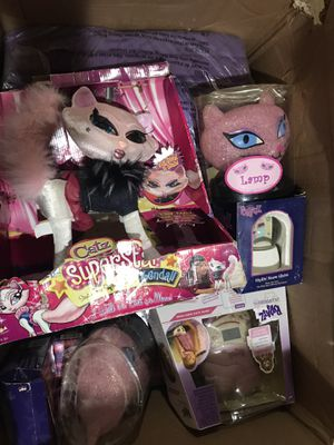 I have a box full of brats dolls, brats couches and other things for Sale in Glendale, AZ
