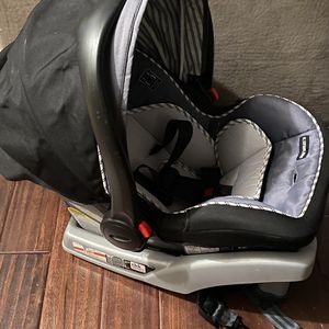 2 Graco Snugride Car Seat Bases for Sale in Dublin, OH