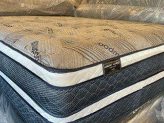 Queen Bamboo Exclusive Jumbo Pillow Top Mattress for Sale in San Bernardino,  CA
