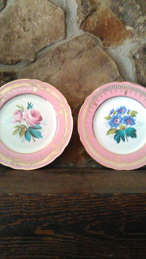 Two's Company decorative plates for Sale in Lexington, NC