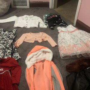 Great Outfits For Daughter for Sale in Detroit, MI