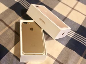 Iphone 7 Plus - Gold 128GB Unlocked for Sale in Lynnwood, WA