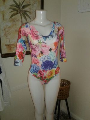 Shirt one oiece small stretch cute with jeans for Sale in Miami Gardens, FL